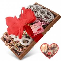Valentine's Day Dark Chocolate Pretzel Tray